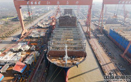 沪东中华为达飞建造两艘15000TEU集装箱船完成大节点