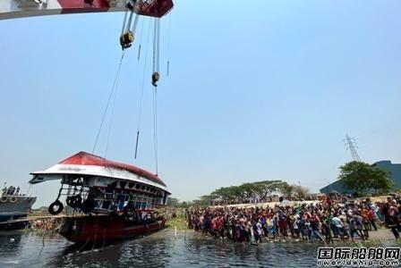 孟加拉一艘渡轮被货船撞沉致26人死亡