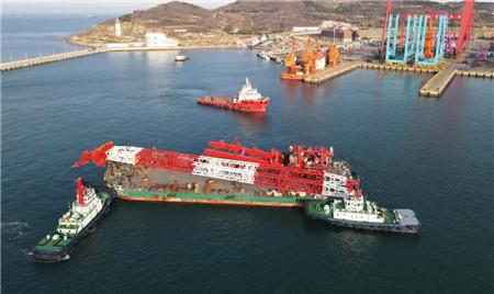 海西重机1200吨风电安装平台绕桩式起重机交付韩通重工