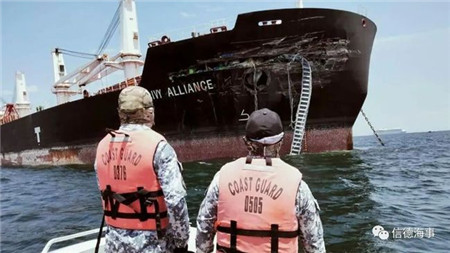 撞惨了!马士基油轮新船与一艘散货船相撞
