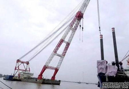 黄埔文冲完成7800KW绞吸挖泥船超大型钢桩吊装