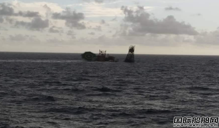 马来西亚一座钻井平台突然沉没101人安全获救