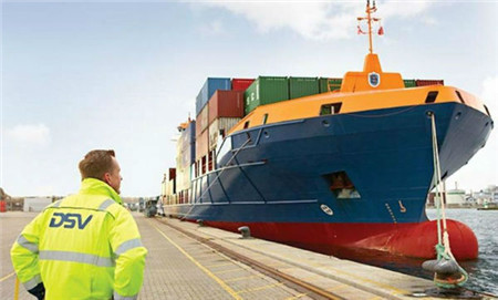 DSV租一艘小型集装箱船跑中国到北欧直达航线