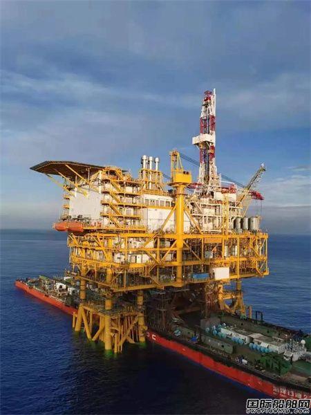 一举托起1.5万吨平台组块!振华重工移船定位系统再立大功