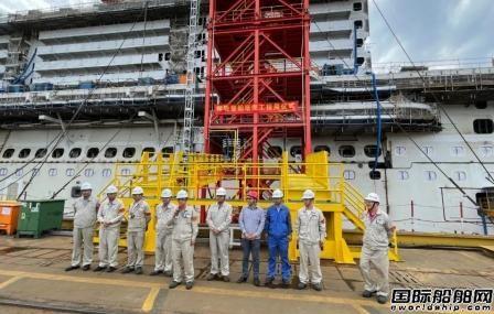 外高桥造船首座邮轮登船塔交付投用