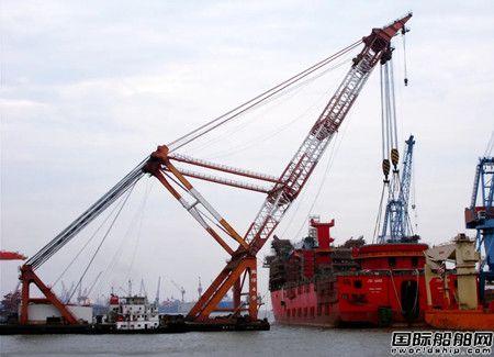 振华重工JSD6000深水起重铺管船完成主起重机筒体吊装