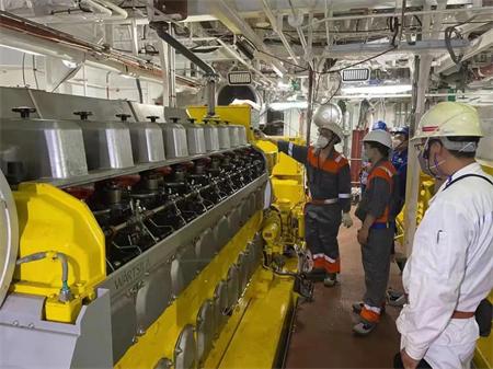 威海金陵提前完成W0270船发电机功能试验