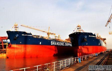 新时代造船两艘50000吨化学品油船顺利下水