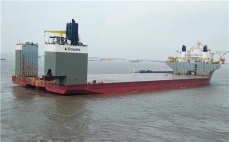 """南通中远海运船务修理改装半潜船""""马琳""""轮顺利开航"""