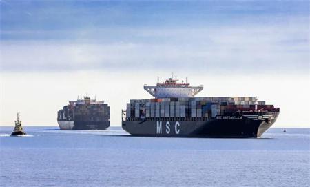 地中海航运又买4艘船一年买进超过100艘船