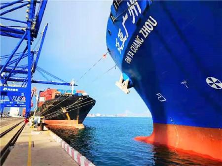 """国内首例!""""泛亚广州""""轮岸电改造在洋浦港首次接驳岸电成功"""