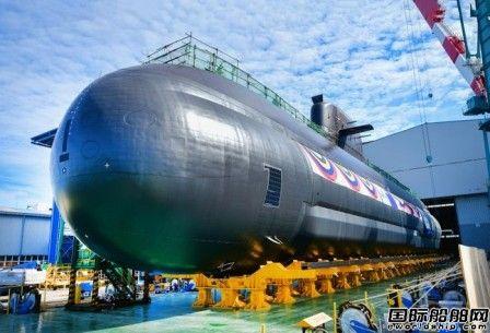 """现代重工建造中型柴电动力攻击潜艇""""申采浩""""号下水"""